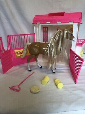 Barbie Doll Feeding Fun Stable Playset 1995 Mattel, Inc. W/ Horse + Accessories