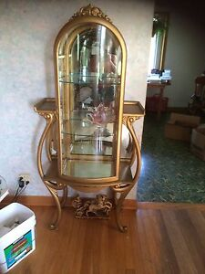 Meuble antique art objets collectionner dans grand for Meuble antique kijiji