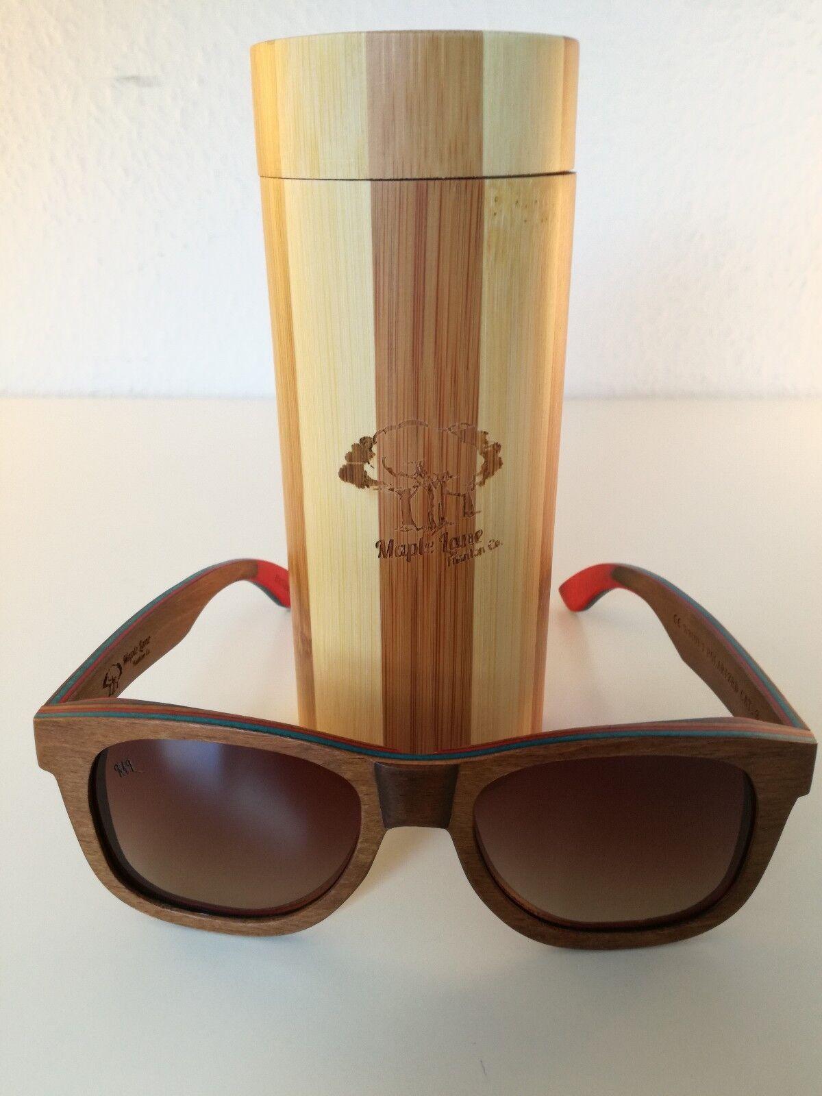 Handgefertigte Holz Sonnenbrille von Maple Lane (Braun mit roten Gläsern