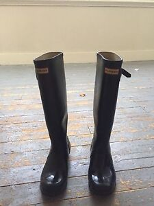 Hunter boots size 8 with hunter socks