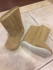 toddler boots 12-18 mnths *new
