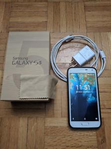 Unlocked Samsung Galaxy S5 MINT with 32GB microSD