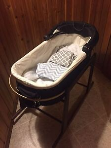 Valco Baby Bassinet with 2 stands