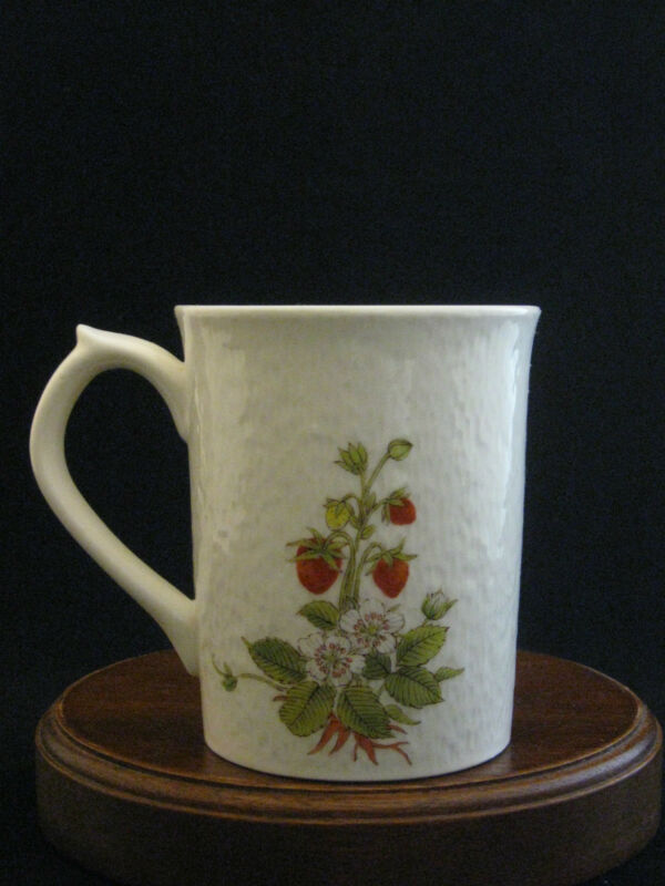 Otagiri OMC Strawberries Fine Porcelain Mug Made in Japan