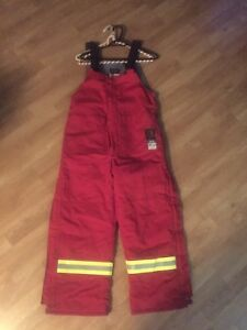 New FR women's bib overalls Small