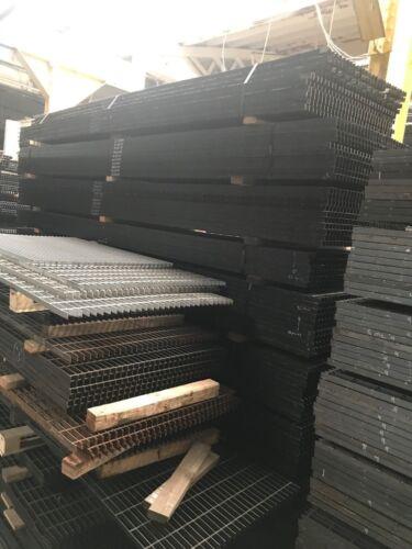 "Used 1"" Steel Bar Grating 33-1/2"" x 147"""