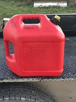 Blitz 5 Gallon Plastic Gas Gasoline Can With Vented Spout