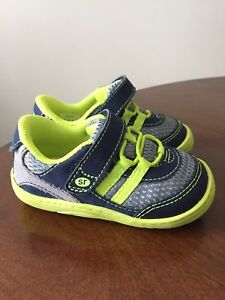 Stride Rite toddler size 5 sneakers - new