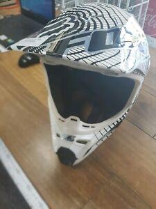 Fox v3 motorcross helmet Embleton Bayswater Area Preview