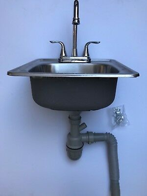 "15""x 15"" x 6"" Stainless Steel Bar Sink w/Faucet and 3"" Strainer"