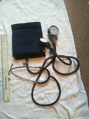 B VINTAGE SURGICAL  INSTRUMENT  SPHYGMOMETER no bulb earpiece bit missing parts?