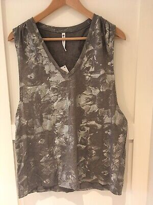 NWT Fabletics Taryn Printed V-Neck Tank Work Out L Metallic