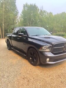 2013 Ram 1500 Sport w/ 8spd and air suspension