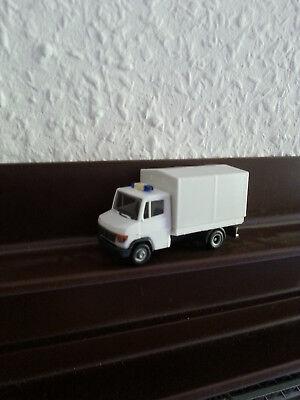 Feuerwehr Fahrzeuge Weiss, Mercedes Bens von Herpa.Gerätewagen 1:87