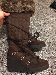 Bottes d'hiver pour femme. Winter boots for woman