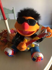 Rock and Roll Ernie works great