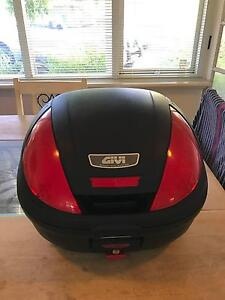 Givi 39L Monolock Topbox & Universal fitting kit E370 *AS NEW* City Beach Cambridge Area Preview