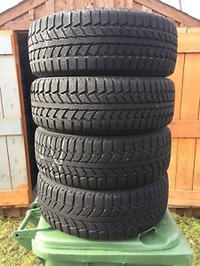 p195/60/15 inch Winter Tires on Honda Fit Rims / GOOD DEAL
