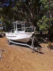 Fishing diveing boat Chittering Chittering Area Preview