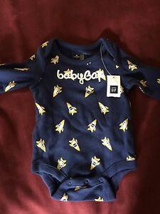 Baby gap new long sleeve 0-3 month