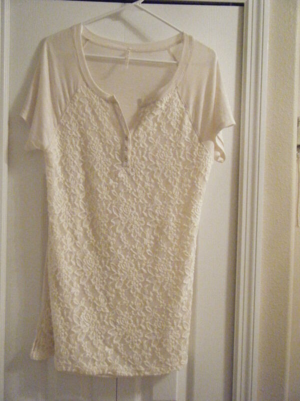 NINE EIGHT SIZE LARGE NEW CREAM LACE FRONT CAP SLEEVE TEE NEW