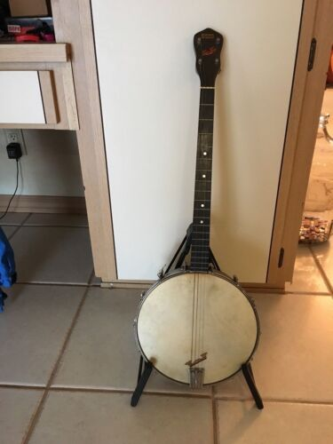 """Ludwig """"Tip Top"""" Banjo Open back with Case"""