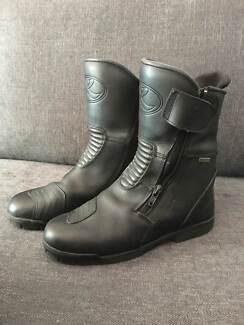 Thomas Cook Motorbike boots Size 41 - Nearly New