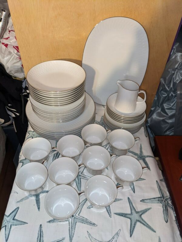 Porcelain Strafito Connoisseur Finnesse by Sango dinnerware set of 47 ,