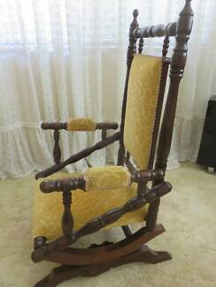 Dexter rocking chair in excellent condition