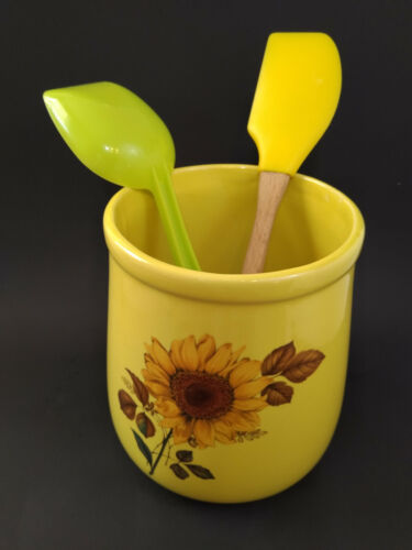 McCoy Pottery Country Farm Kitchen Utensil Holder Yellow with Sunflower Rare
