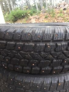 4 winter studded tires 195/65/15