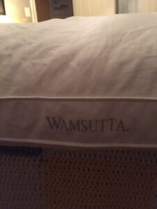 Wamsutta twin size featherbed mattress topper (Reduced)