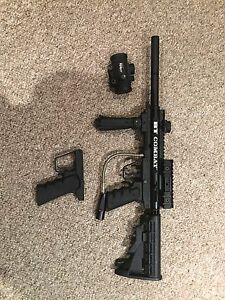 BT Combat paintball gun and accessories