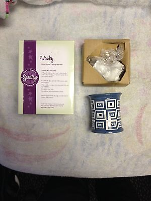 другое NEW Scentsy Plug In Warmer