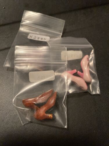 Miniature Doll s Three Pair Of Pumps Shoes DOLLHOUSE 1 12 - $3.25