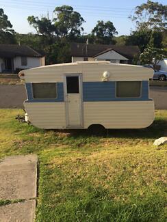 1973 viscount Caravan Windale Lake Macquarie Area Preview