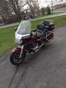 1984 Honda Goldwing 1200 trades for zero turn lawn tractor/cash