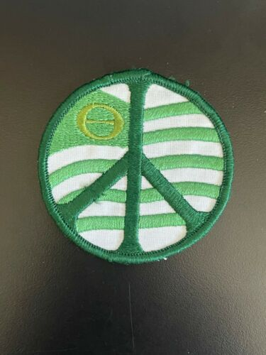 VINTAGE ENVIRONMENTALIST GREEN PEACE EMBROIDERED PATCH