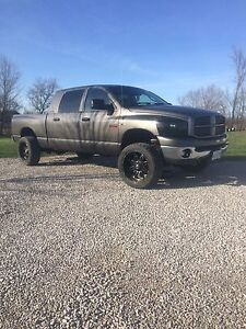 2006 Dodge Ram mega cab very clean!