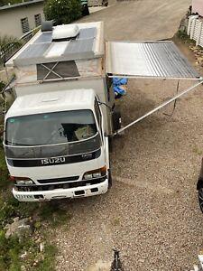 4x4 Isuzu camper truck sleeps 3