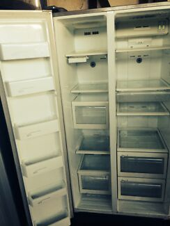 Samsung stainless 537L side by side fridge freezer North Ipswich Ipswich City Preview