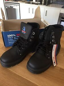 Work boots Steel Blue size 10 black Yeronga Brisbane South West Preview
