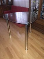 $40 - Modern S/S Glass Table