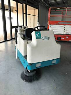 Tennant 6200 Ride On Sweeper with hand vacuum Aldinga Beach Morphett Vale Area Preview