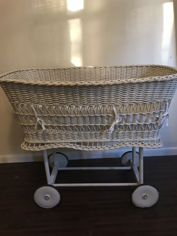 ANTIQUE WHITE WICKER VINTAGE BABY BASSINET ALL ORIGINAL