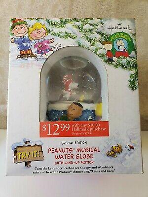 Hallmark Peanuts Snoopy Musical Snow Water Globe w/ Wind-Up Motion, NEW