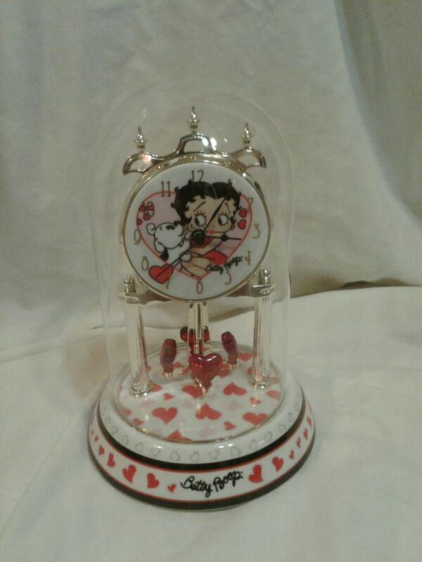 Vtg BETTY BOOP Porcelain Anniversary Mantle CLOCK Glass Dome CIRCLING HEARTS