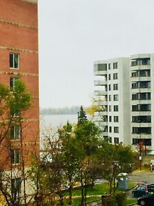 3 1/2 appartment Pointe-Claire/Dorval. Lakeshore