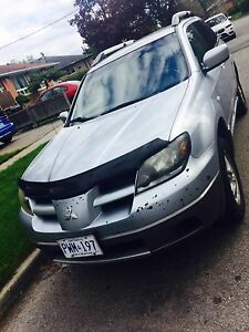 2004 Mitsubishi Outlander  mint condition