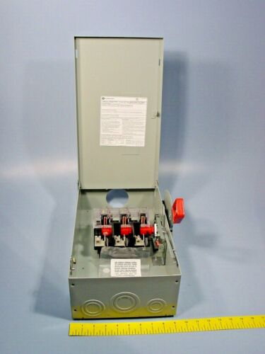 GE THN3362R Heavy Duty Safety Switch Model 10 Type 3R 60 Amp 600 Volt